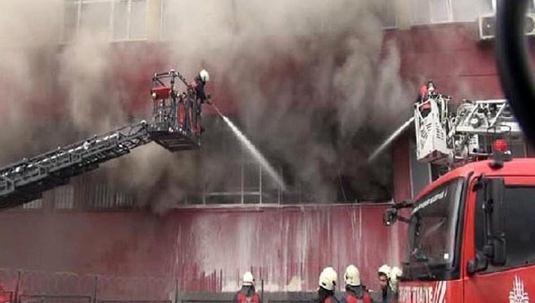 Bayrampaşa'da sanayi sitesinde yangın!