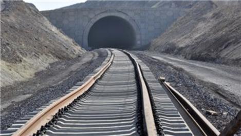 Bakü-Kars-Tiflis tren hattı ağustosta açılıyor!
