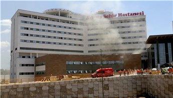 Adana Şehir Hastanesi'nin inşaatında yangın!