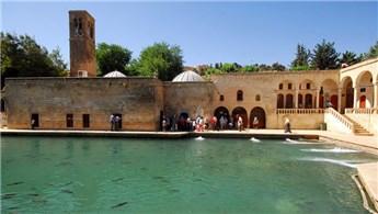 Şanlıurfa'daki Döşeme Camisi'nde restorasyon sürüyor