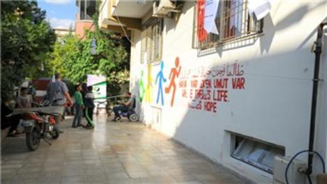 Yaralı Suriyeliler 'İyilik Evi'nde ücretsiz konaklıyor