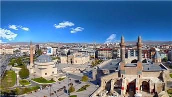 Sivas'ta 7 milyon 389 bin TL'ye satılık 2 arsa!