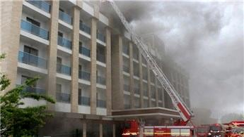 Fatih'te otelde yangın çıktı!