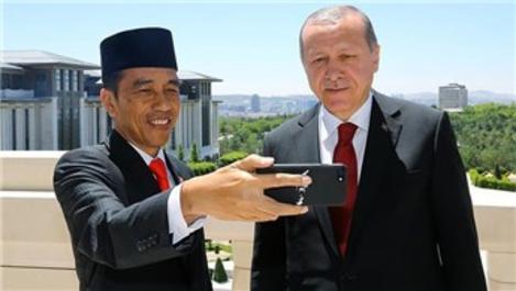 Erdoğan ve Widodo, Cumhurbaşkanlığı Külliyesi'nde özçekim yaptı!