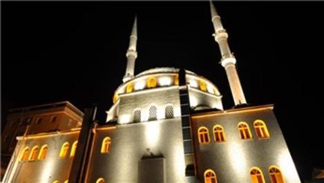 15 Temmuz'da camilerin ışıkları sabah namazına kadar açık olacak