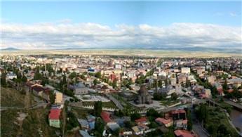 Kars'ta 8 milyon liraya 20 lojman satılıyor
