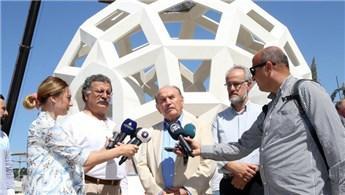 Kadir Topbaş 15 Temmuz Şehitler Abidesi'ni inceledi