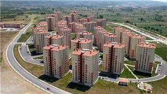 Bursa'da bin 179 emekli, dairelerine kavuştu!