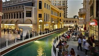 Venezia Mega Rezidans'ta anahtar teslim töreni yapılıyor