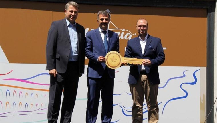 Venezia Mega Outlet'te 100 TL'lik alışverişe daire kazandı