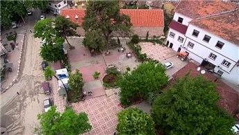 Bu köyün mimarisi üniversiteli heykeltıraşlara emanet