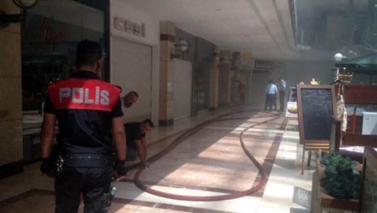 Ankara'daki AVM'de yangın paniği!