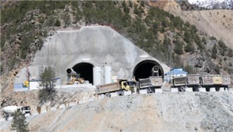 Zigana Tüneli'nde 8 kilometrelik bölüm bitti!