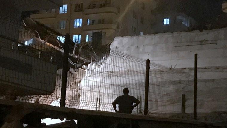 Gaziantep'te inşaat halindeki binanın istinat duvarı çöktü