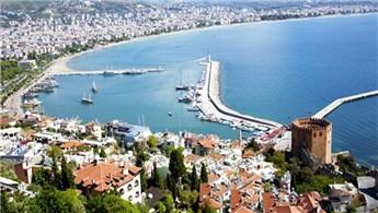Gurbetçi vatandaşlar tatil için Antalya'ya akın etti!