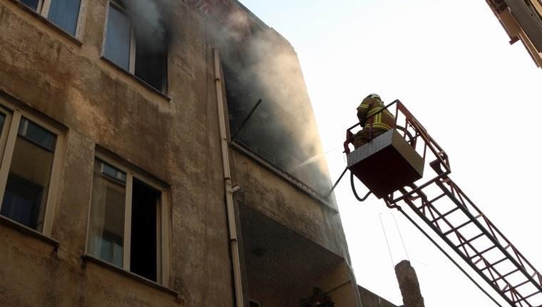 Balıkesir'de bir binada 10 günde 11 kez yangın çıktı