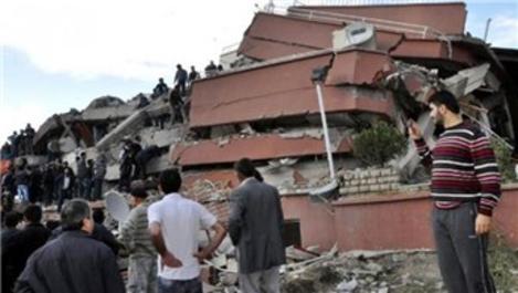 Van'daki Safa Apartmanı, kötü demirden yıkılmış!