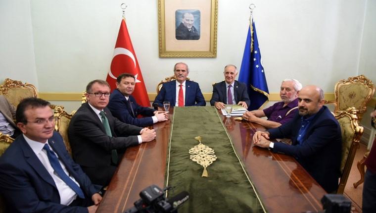 Bursa'da tarihi çarşıların yönetimine düzenleme geliyor!