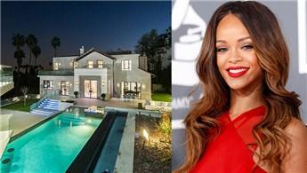Rihanna Hollywood'da 6.8 milyon dolara malikane aldı!