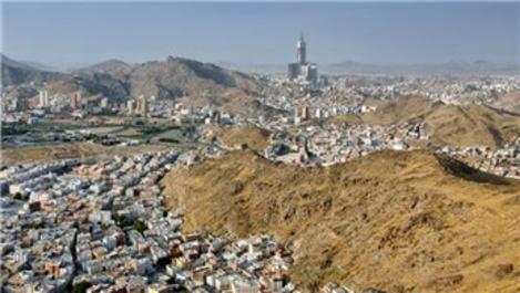 Karmod, Mekke'nin 6 farklı yerinde prefabrik ev kurdu