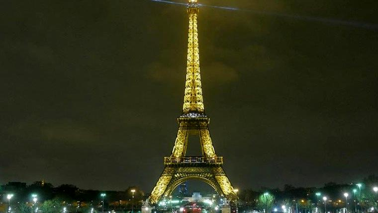 Eyfel Kulesi'ndeki ışıklandırma sistemi bakıma alındı