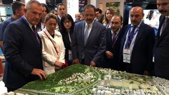 Bakan Özhaseki'den Artaş İnşaat standına ziyaret!
