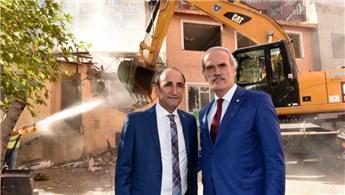 'Kentsel dönüşüm ile 3 yılda 276 metruk binayı yıktık'