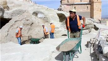 Nevşehir Kalesi ve çevresinde kazı çalışmaları başladı