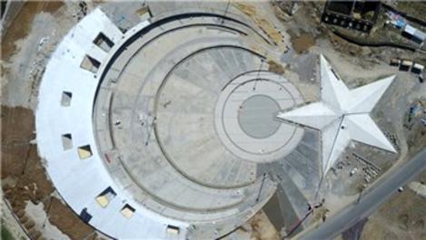 Sarıkamış'ta ay yıldızlı tören alanı için çalışmalar başladı