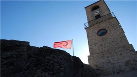 Eskişehir'deki saat kulesini 20 yıldır aynı ustaya emanet!
