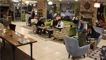 Trabzon'daki mobilya mağazası kafeteryaya dönüştü