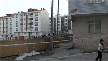 Esenyurt'ta toprak kayması nedeniyle 12 bina boşaltıldı