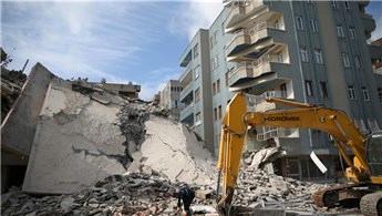Şanlıurfa'da yıkım sırasında komşu binalar hasar gördü