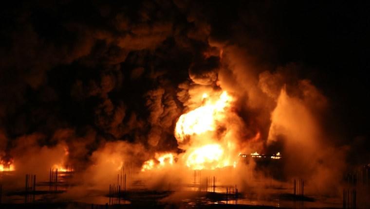 Karaman'da plastik fabrikasında yangın çıktı
