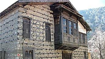 Antalya'daki 350 yıllık 'düğmeli evler' restore ediliyor