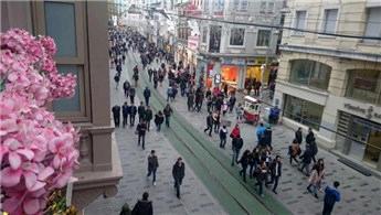 İstiklal Caddesi'nde sıra Nostaljik Tramvay Hattı'na geldi