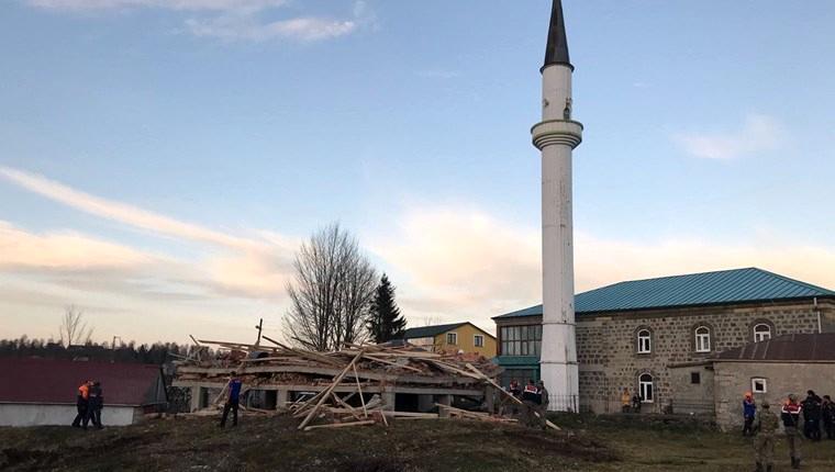 Trabzon'da inşaat halindeki mescitte göçük!