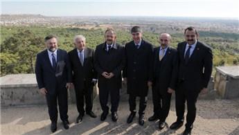 Bakan Özhaseki, Sur Yapı'nın Kepez proje alanını gezdi
