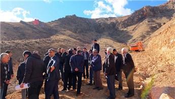 Elazığ'daki Zırkı Grup Köy Yolu'nun yapımına başlandı