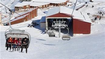 Çambaşı Yaylası'na kayak merkezi açıldı