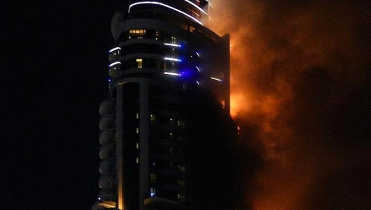 Çin'de bir gökdelenin 38'inci katında yangın çıktı