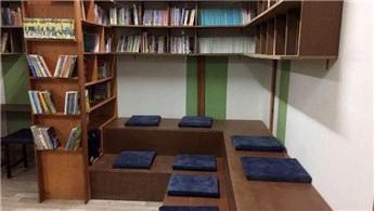 SAÜ Mimarlık öğrencileri, Sakarya'daki okula kütüphane açtı