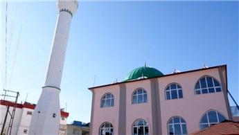 Hatay'da inşa edilen Oymaklı Cami ibadete açıldı