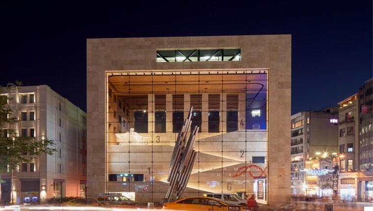 Yapı Kredi Kültür Sanat, İstiklal Caddesi'ne yenilenerek döndü