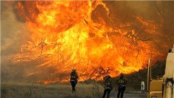 Kaliforniya'daki yangın 18 bin binayı tehdit ediyor