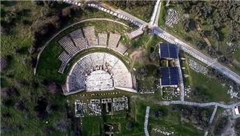 İzmir Torbalı'da 2 bin yıllık oda mezarlar bulundu