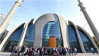 Köln Merkez Camisi'ne yoğun ilgi