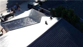 Tesla, güneş enerjisi depolayabilen kiremitler üretti