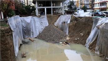Adana'da temel kazısı sırasında toprak kayması