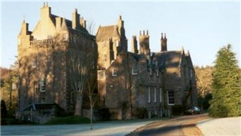 İngiltere ve Fransa'da asırlık kaleler satışa çıkarıldı